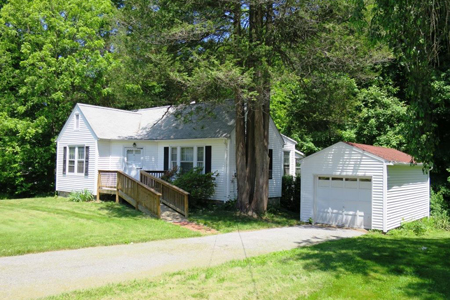 Property sold by Anne Savino, Licensed Real Estate Agent - 10 Gallows Hill Road, Cortlandt Manor, NY