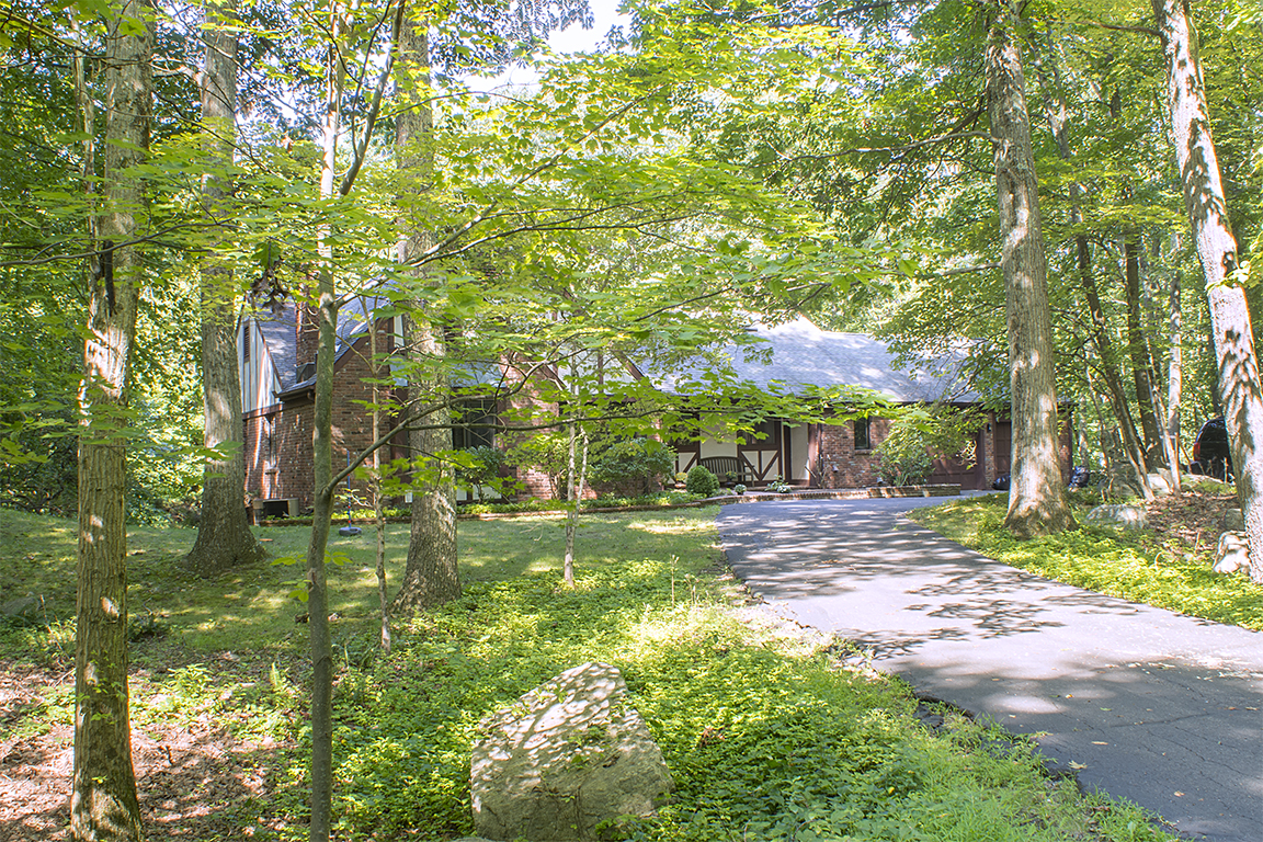 219 Peaceable Hill Road